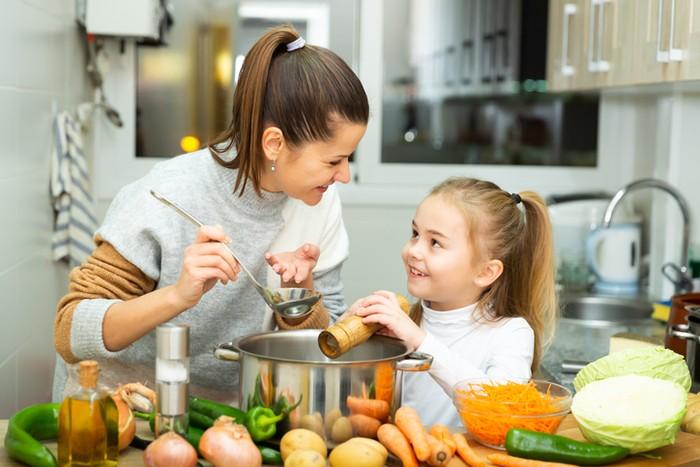 Tips Bagi Ibu Untuk Menjaga Pola Makan Si Kecil
